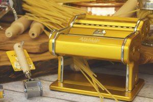 La machine à pâte électrique, une machine idéal pour donner à la pâte la forme et l'épaisseur désiré