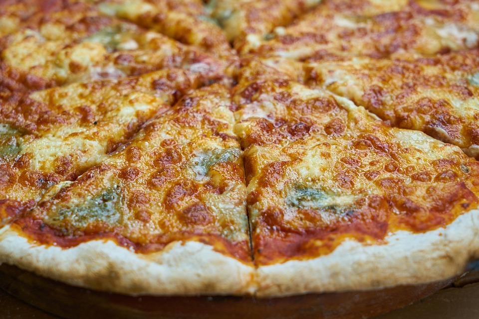 Four à pizza électrique
